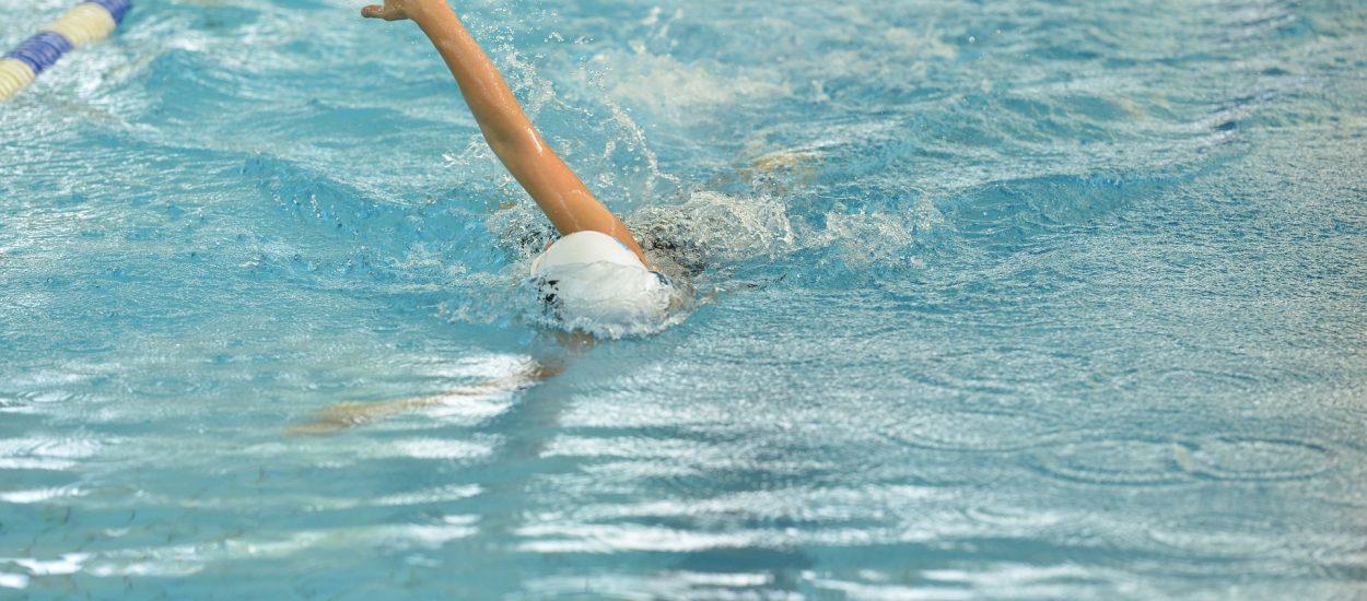 Pływanie żabką – krótki poradnik